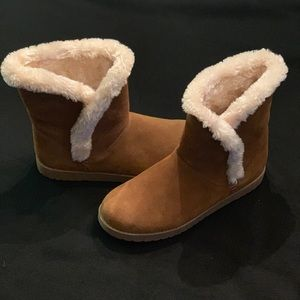Merona Suede Boots w/Faux Fur never worn/size 9